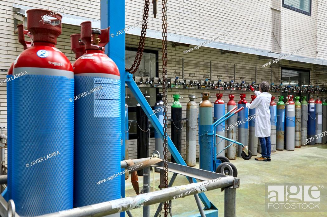 Photo de stock: Gas cylinders, Technology Centre.