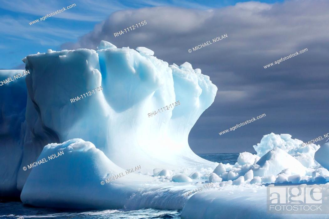 Imagen: Iceberg in Hercules Bay, South Georgia, Southern Ocean, Polar Regions.
