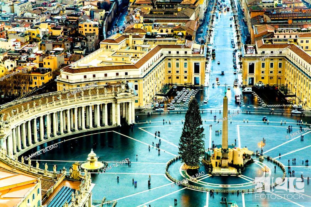 Stock Photo: Saint Peter's Square , Vatican City, Rome.