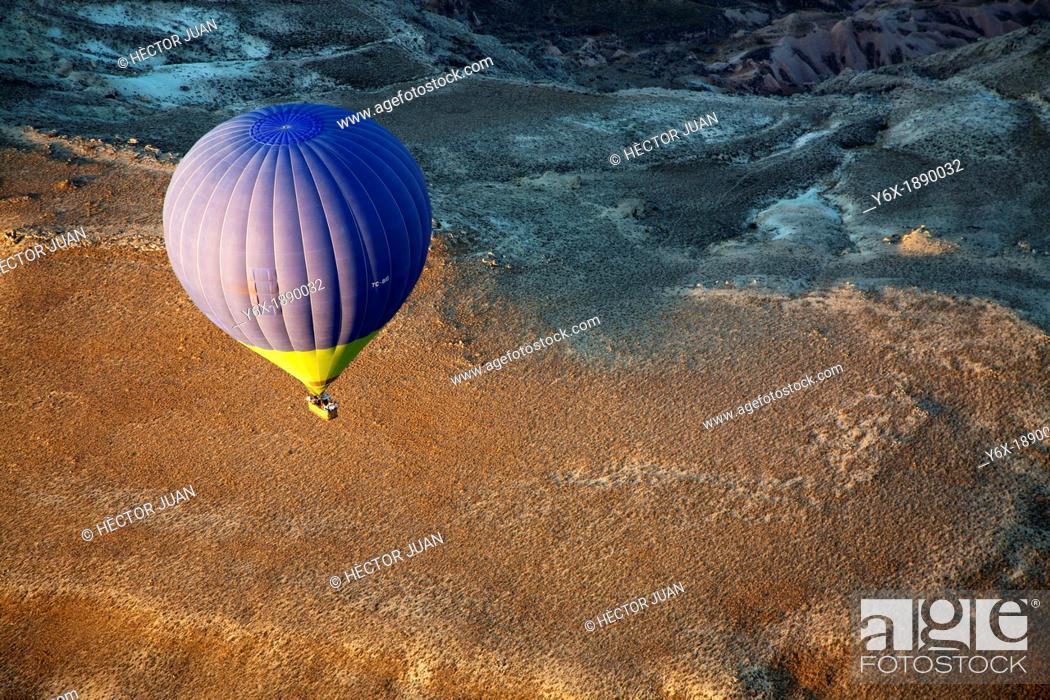 Stock Photo: Flying at sunrise.