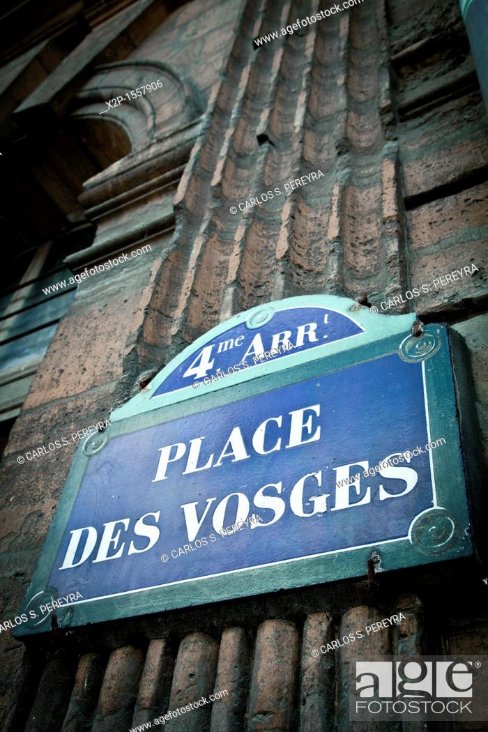 Stock Photo: Place des Vosges, It is one of the oldest squares of Paris, Le Marais, Ile de France, Paris, France.