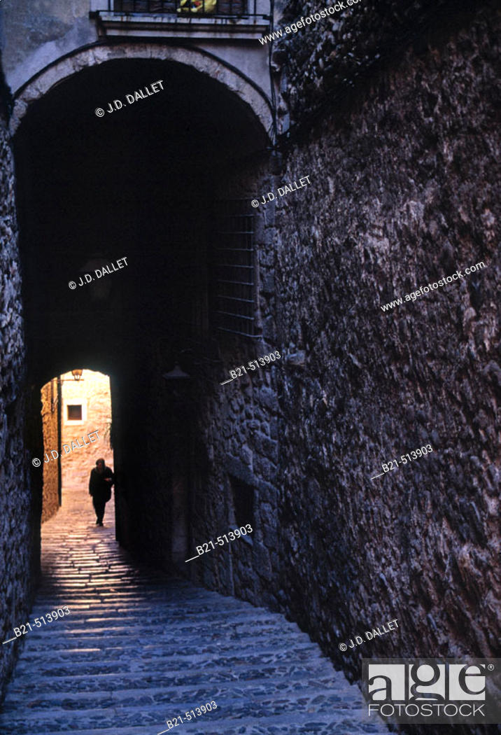 Stock Photo: Cúndaro street at the 'Call' (old Jewish quarter), Girona. Catalonia, Spain.