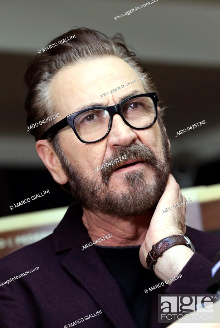 """Imagen: Actor Marco Giallini attends at """"""""Beata Ignoranza"""""""" photocall. Rome (Italy), february 20, 2017."""