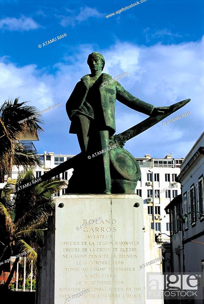 Stock Photo: Reunion, Saint-Denis, statue of Roland Garros.