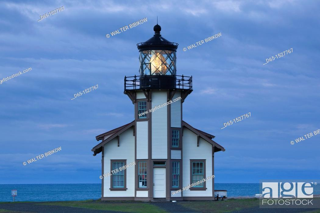 Stock Photo: USA, California, Northern California, North Coast, Mendocino-area, Pine Grove, Point Cabrillo Lighthouse, dawn.