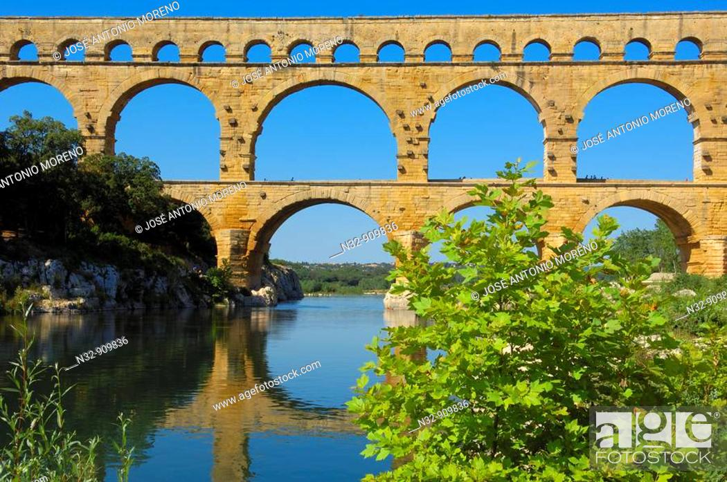 Stock Photo: Pont du Gard Roman aqueduct, Gard, Languedoc-Roussillon, France.