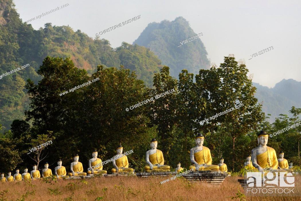 Stock Photo: Myanmar, Kayin (Karen) State, Hpa-An, Lumbini park, Buddha statues.
