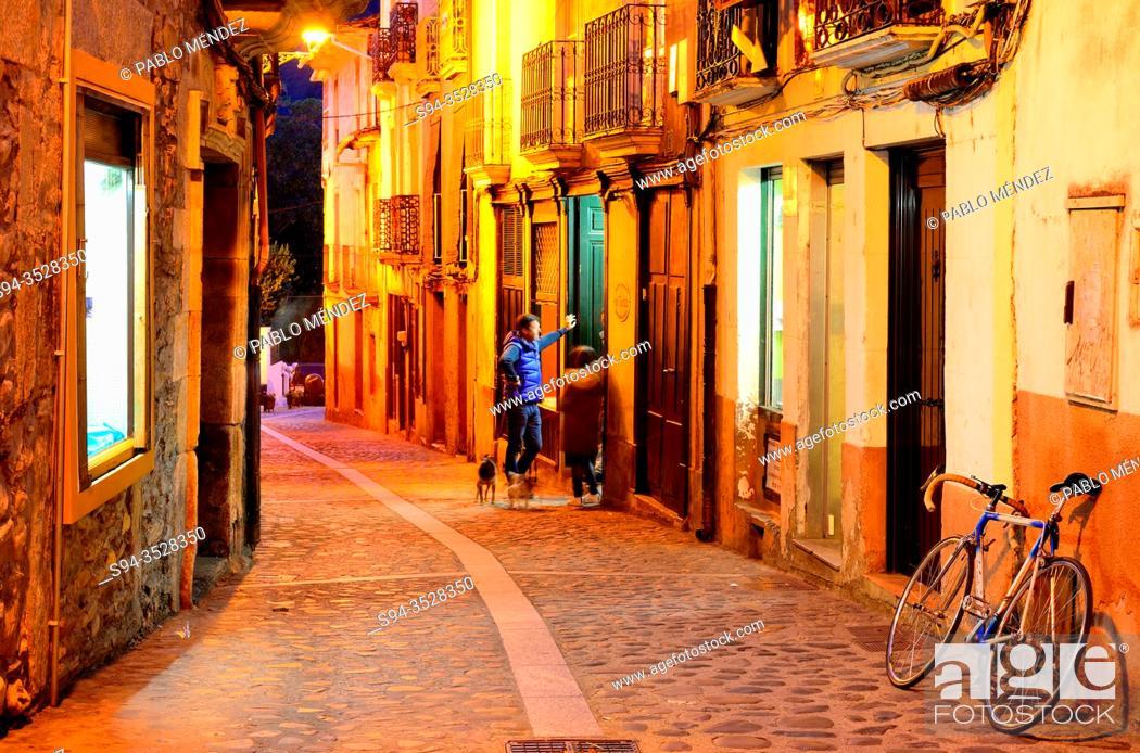 Imagen: Pedestrian street in old town of Villafranca del Bierzo, Leon, Spain.