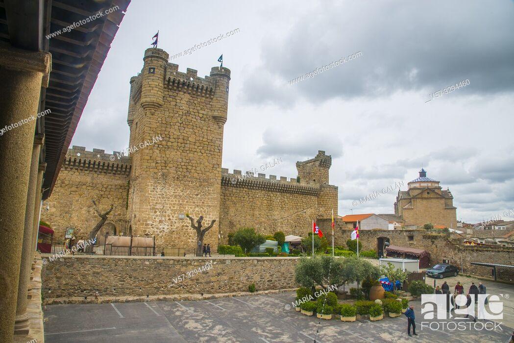 Imagen: Medieval castle. Oropesa, Toledo province, Castilla La Mancha, Spain.