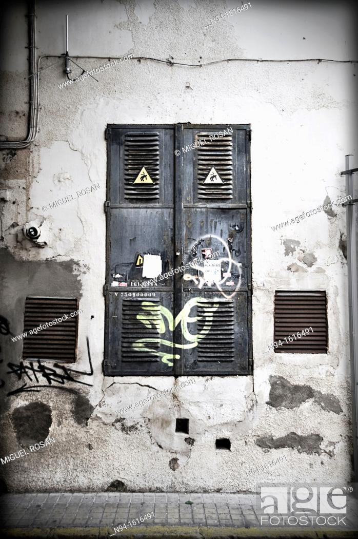 Stock Photo: Metal doors access enrgía transformers power supply.