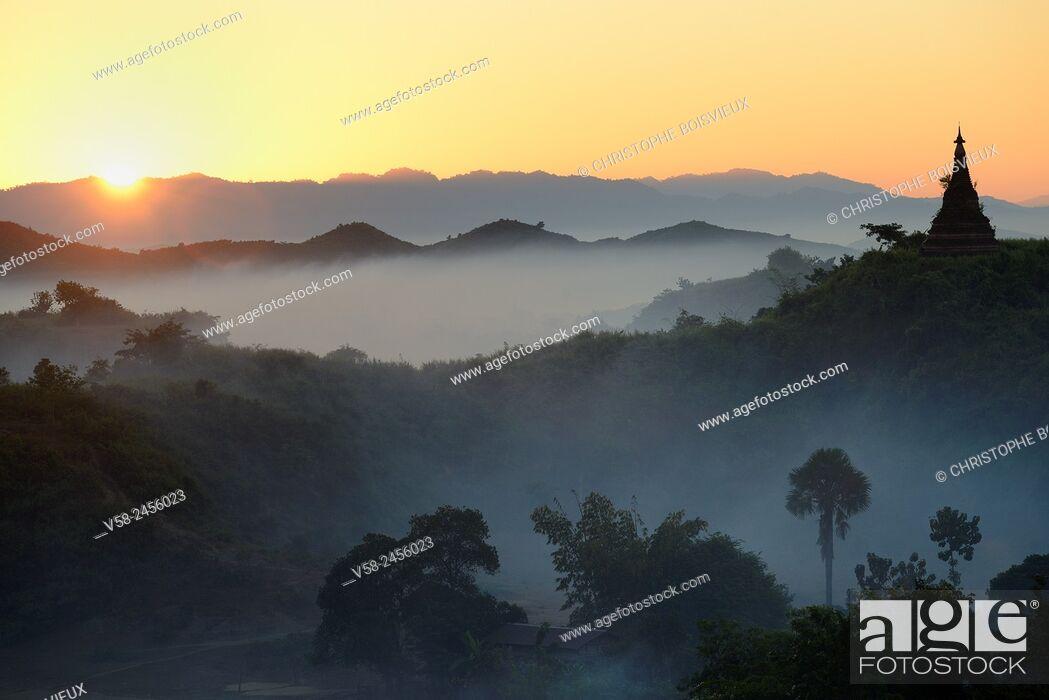 Imagen: Myanmar, Rakhine State, Mrauk U, Sunrise.
