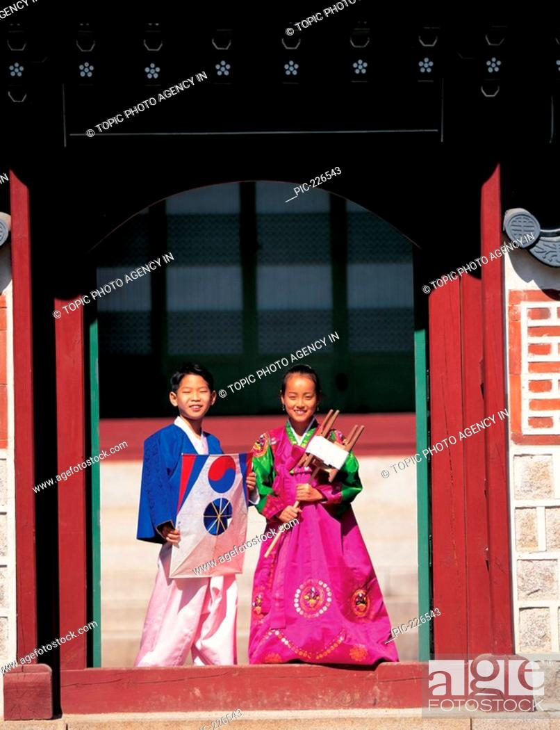 Kids In Korean Costume Holding Kitekorea Stock Photo Picture And