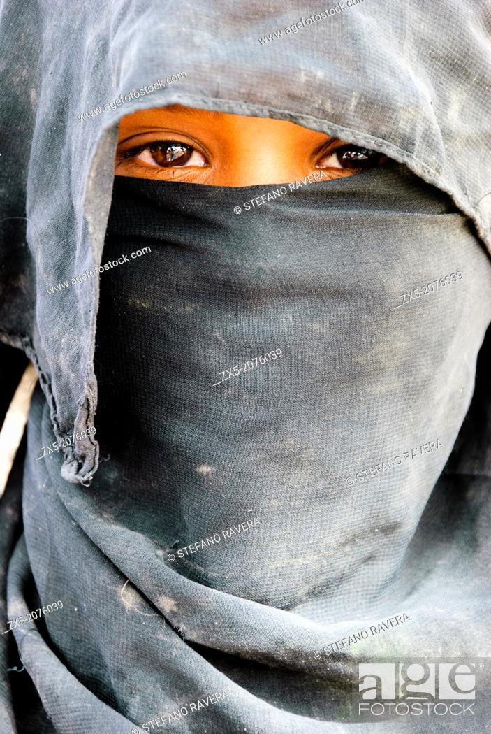 Stock Photo: Muzeina tribe bedouin girl - Wadi Arada desert - Sinai Peninsula, Egypt.
