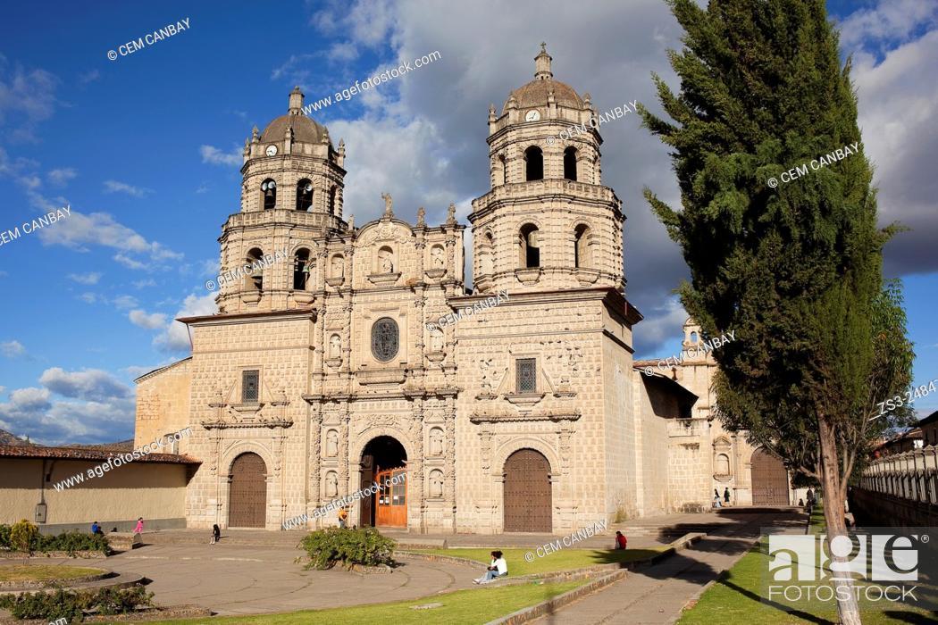 Stock Photo: San Francisco Church at Plaza de Armas, Iglesia de San Francisco, Cajamarca, Northern Highlands, Peru, South America.