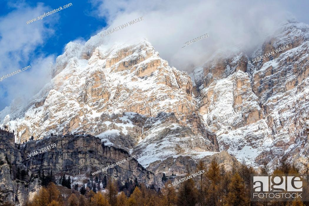 Stock Photo: Mountains seen from Passo Tre Croci, Cortina D'Ampezzo, Province of Belluno, region of Veneto, Italy, Europe.