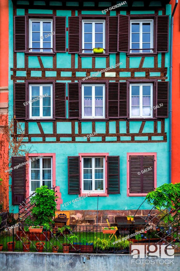 Stock Photo: Beautiful view of the historic town of Strasbourg, colorful houses on idyllic river. Strasbourg, France.