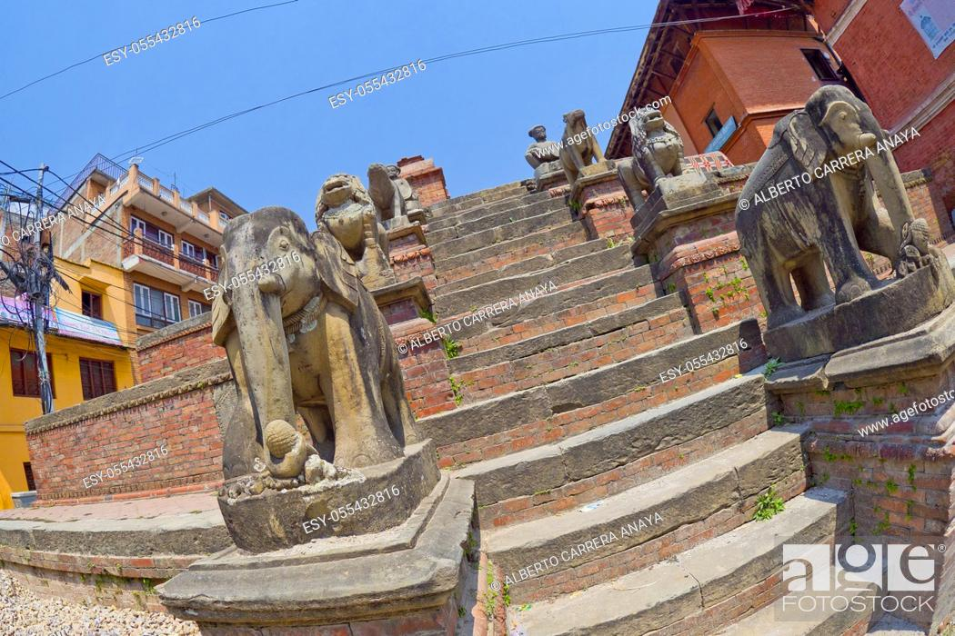 Stock Photo: Hindu Street Temple, Street Scene, Bhaktapur, Kathmandu, Nepal, Asia.