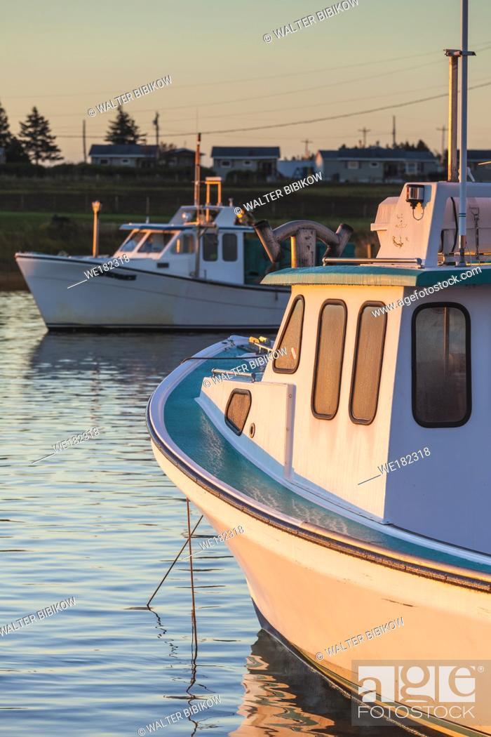 Stock Photo: Canada, Prince Edward Island, Malpeque, small fishing harbor, dawn.