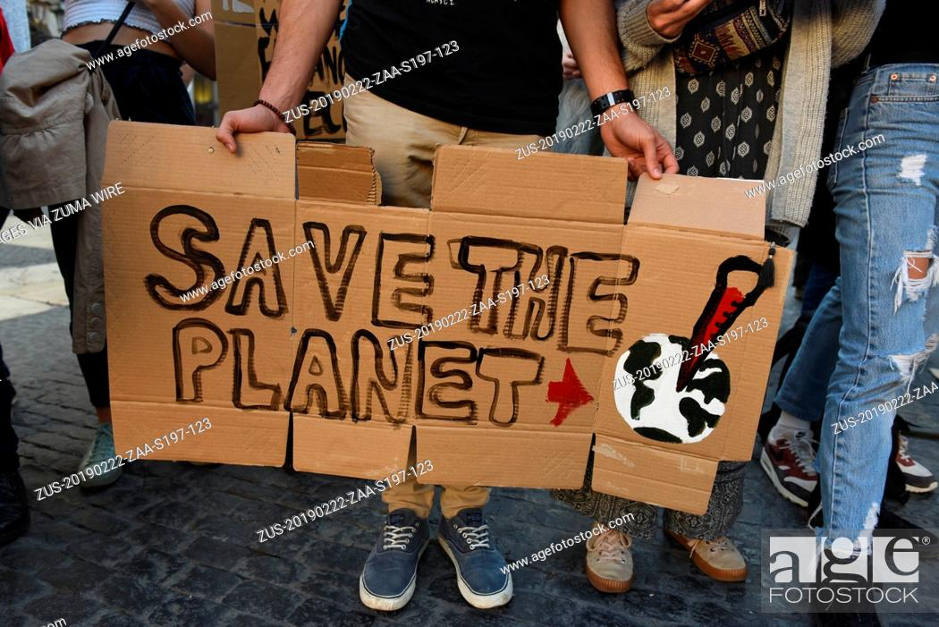 Stock Photo: February 22, 2019 - Barcelona, Barcelona, Spain - A man is seen holding a placard reading 'Save the planet' during the protest.