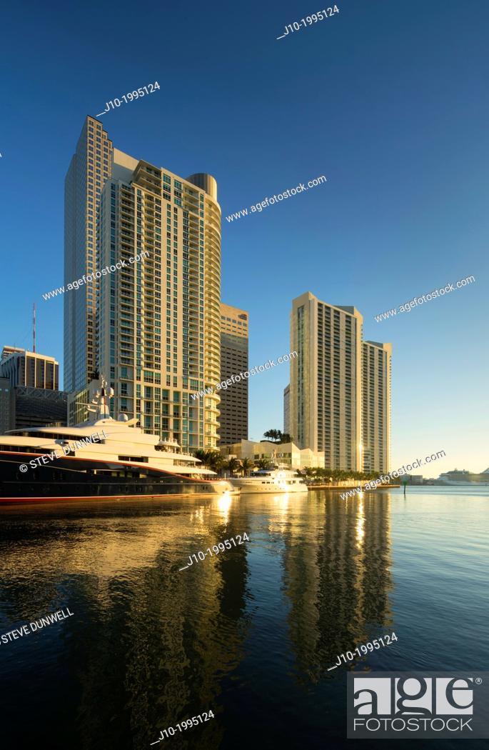 Stock Photo: Miami River skyline sunrise, Miami, Florida, USA.