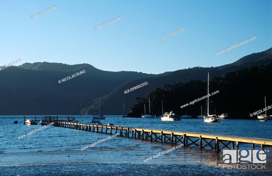Stock Photo: New Zealand - South Island - Marlborough Sounds - Queen Charlotte Sound - Okiwa Bay - Momorangi.