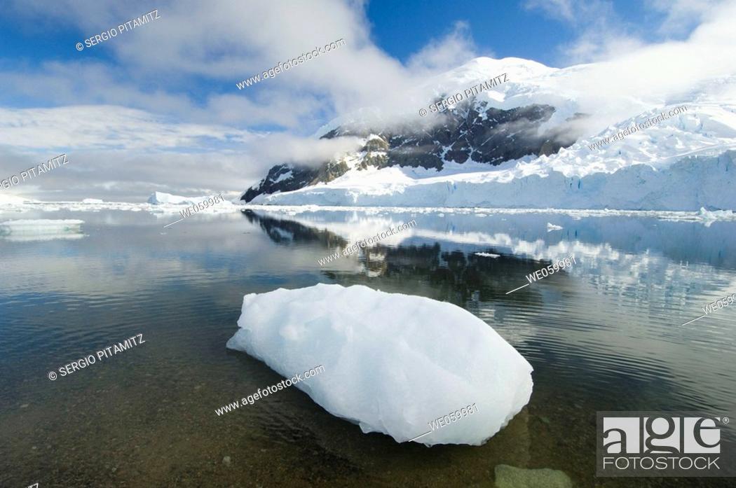 Stock Photo: Antarctica, Antarctic Peninsula, Gerlache strait, Neko Harbor.