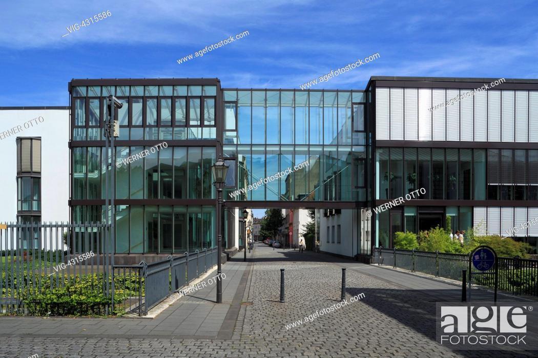 Stock Photo: DEUTSCHLAND, DUISBURG, RUHRORT, 29.07.2009, D-Duisburg, Rhine, Lower Rhine, Ruhr area, North Rhine-Westphalia, D-Duisburg-Ruhrort, Franz Haniel Academy.