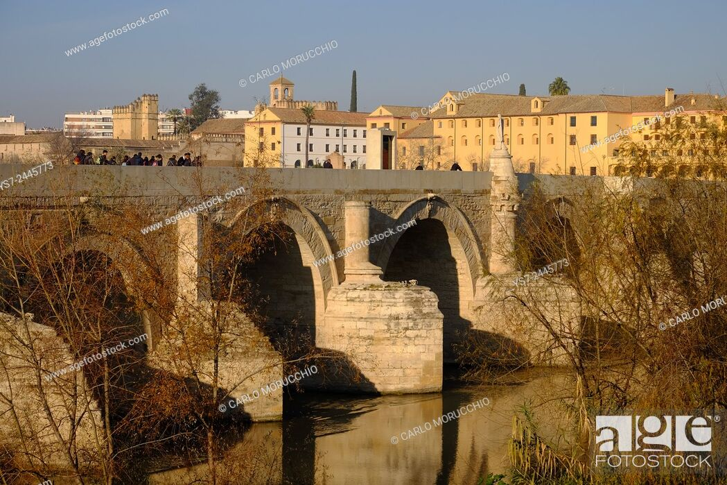 Stock Photo: Puente Romano, the Roman bridge, Cordoba, Andalucia, Spain, Europe.