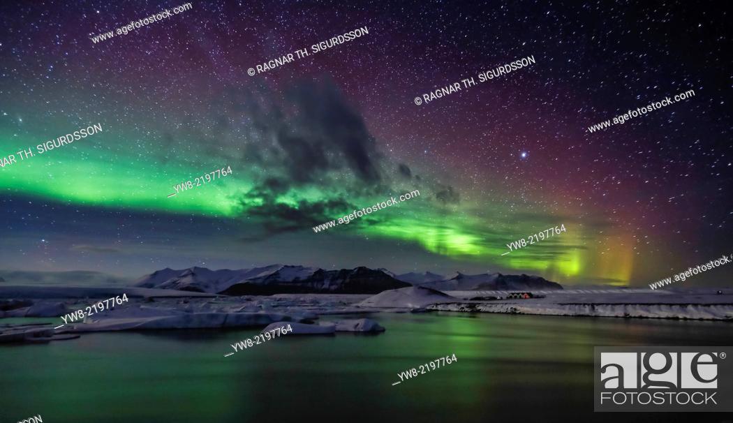 Imagen: Aurora Borealis or Northern lights, Iceland.