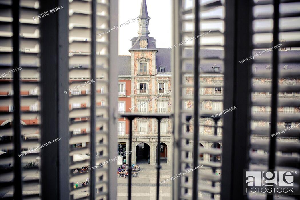 Imagen: Building on Plaza Mayor (main square), Madrid, Spain.