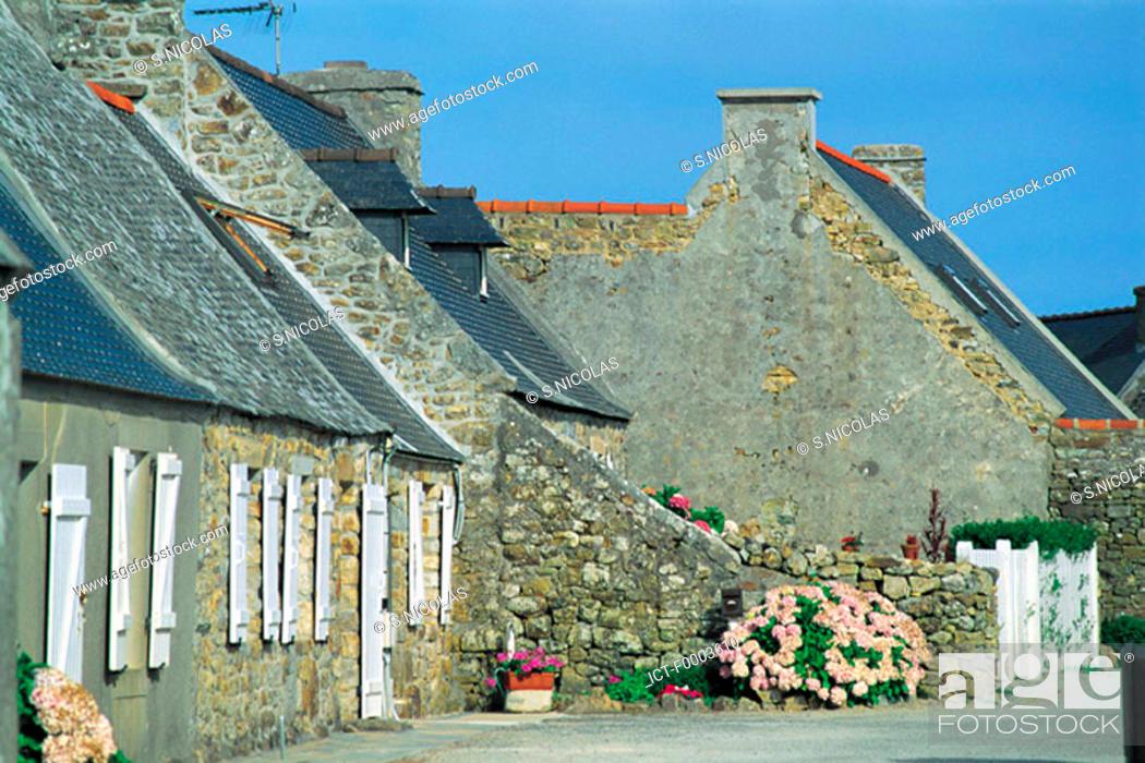 Stock Photo: France, Brittany, Village of Crozon.