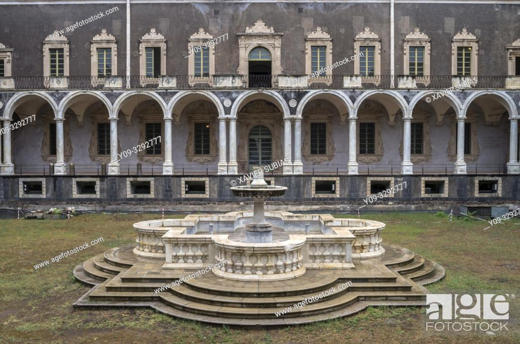 Photo de stock: Cloister of the Monastery Benedictine, Catania, Sicily, Italy.