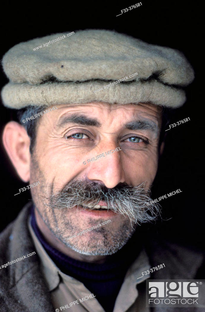 Stock Photo: Hunza ethnic group. Hunza valley. Disputed Territory  (disputed with india about kashmir situation). Pakistan.