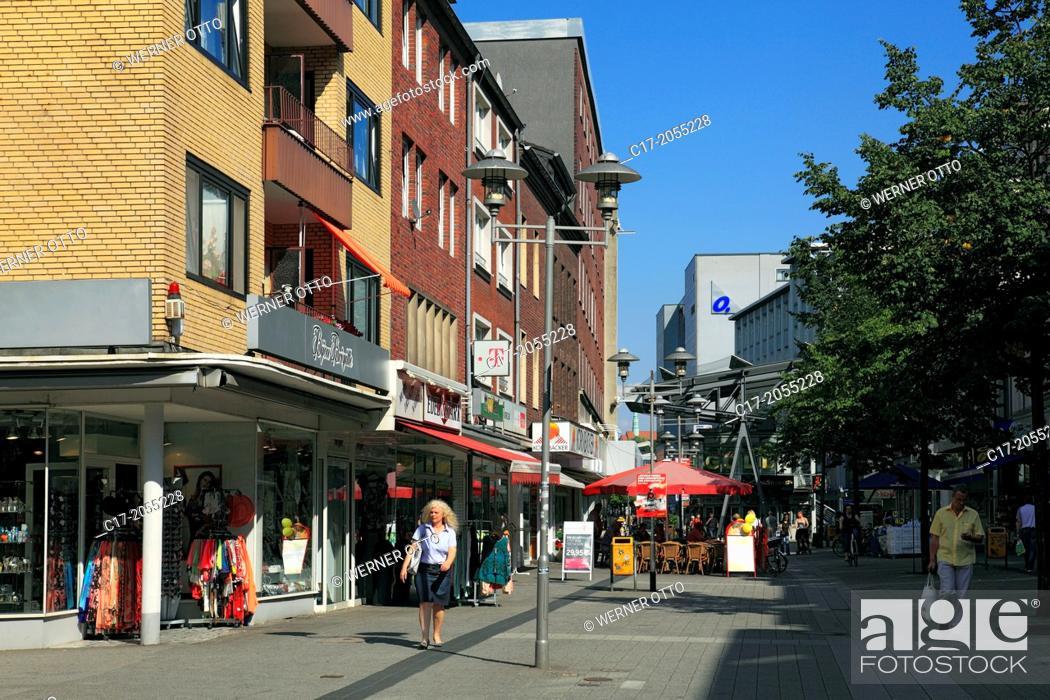 Stock Photo: Germany, Oberhausen, Oberhausen-Sterkrade, Lower Rhine, Ruhr area, Rhineland, North Rhine-Westphalia, NRW, Bahnhofstrasse, shopping street, pedestrian mall.