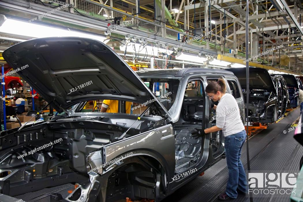 Toledo Ohio Sue Ohneck Works On The Assembly Line For The Jeep