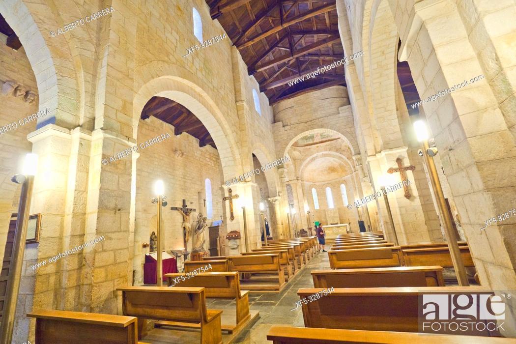 Imagen: Basilica of San Martiño de Mondoñedo, 9-12th Century Romanesque Style, Foz, Lugo, Galicia, Spain, Europe.