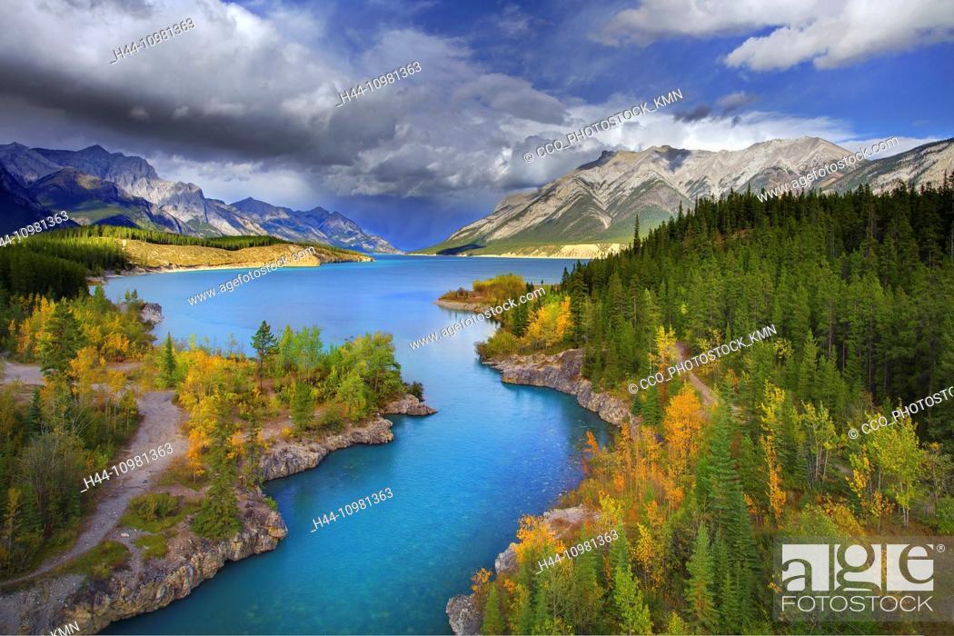 Stock Photo: Emerald Lake in Jasper National Park in British Columbia.