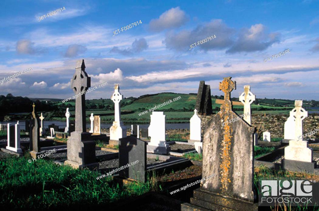 Stock Photo: Ireland, Kinsale, Timoleague abbey, cemetery.