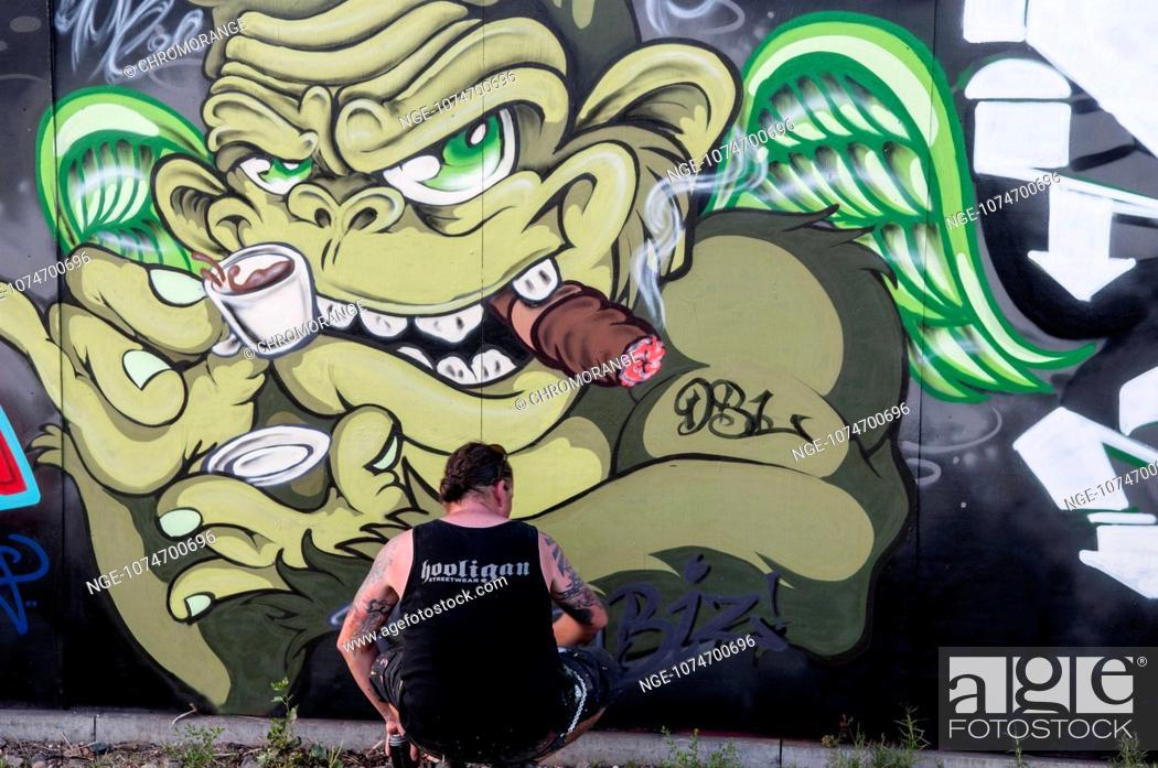 Imagen: Sprayer on hoarding the European Central Bank.