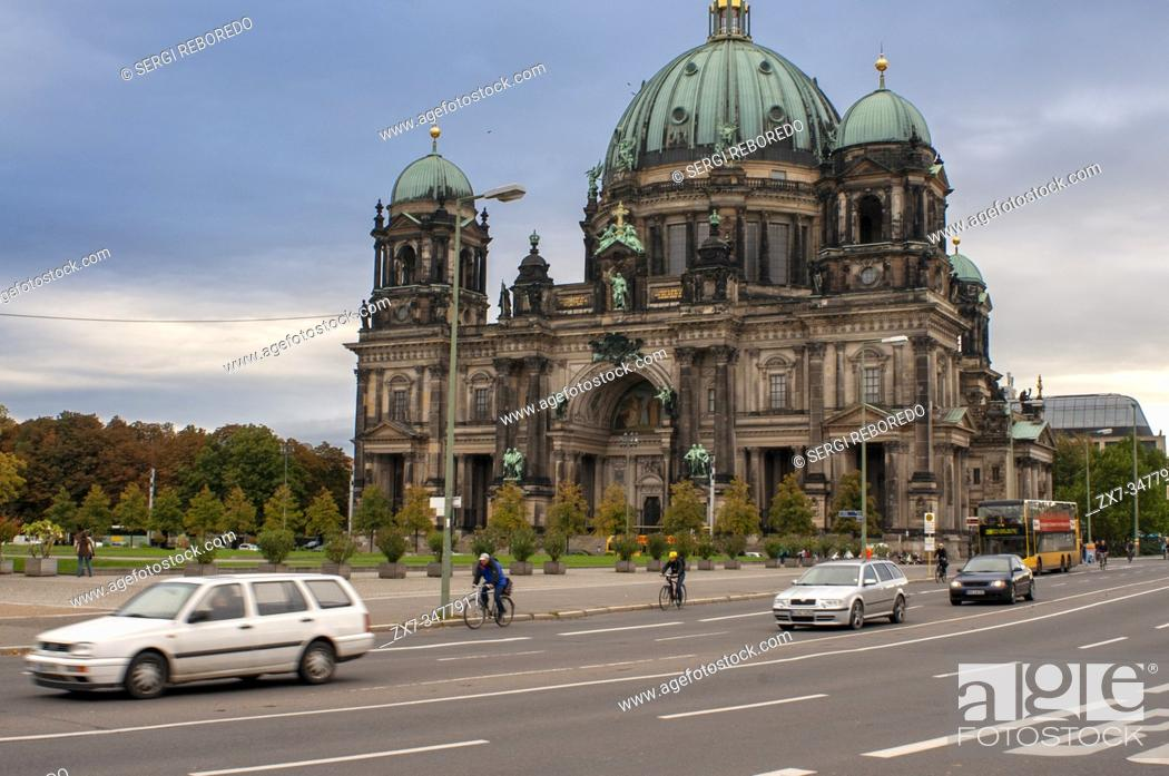 Stock Photo: Berliner Dom Berlin Cathedral and Lustgarten in foreground, Berlin, Germany.