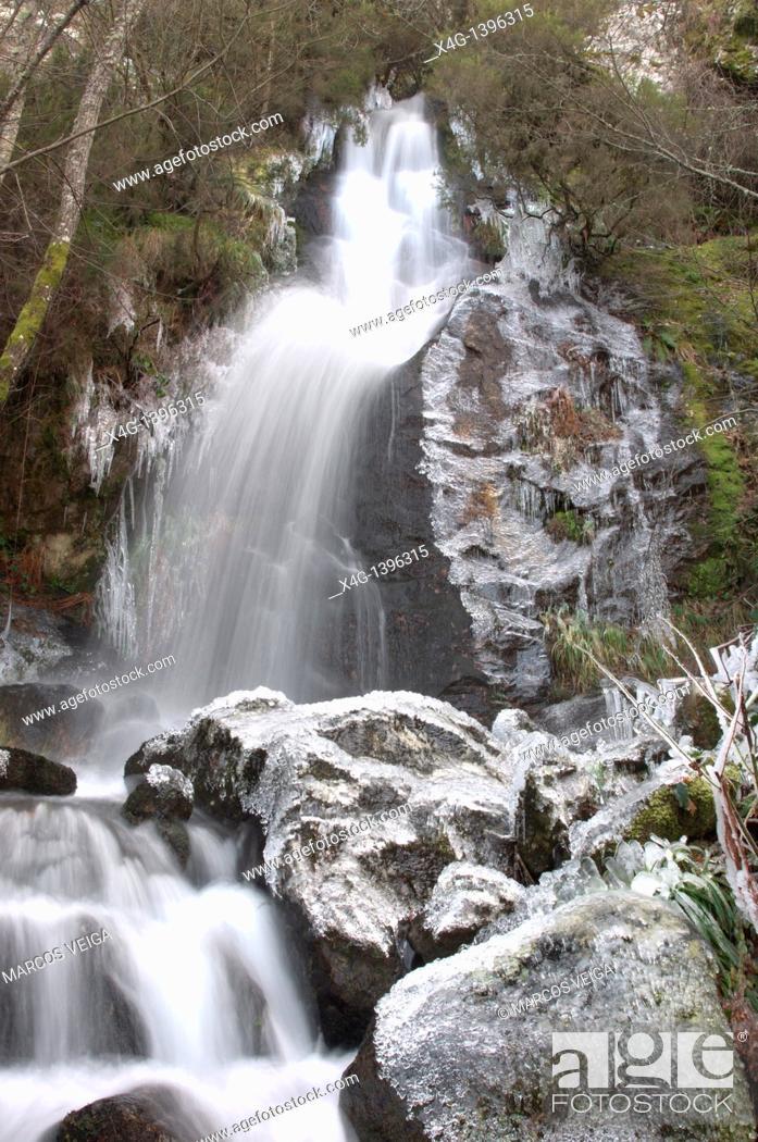 Stock Photo: Icy waterfall.