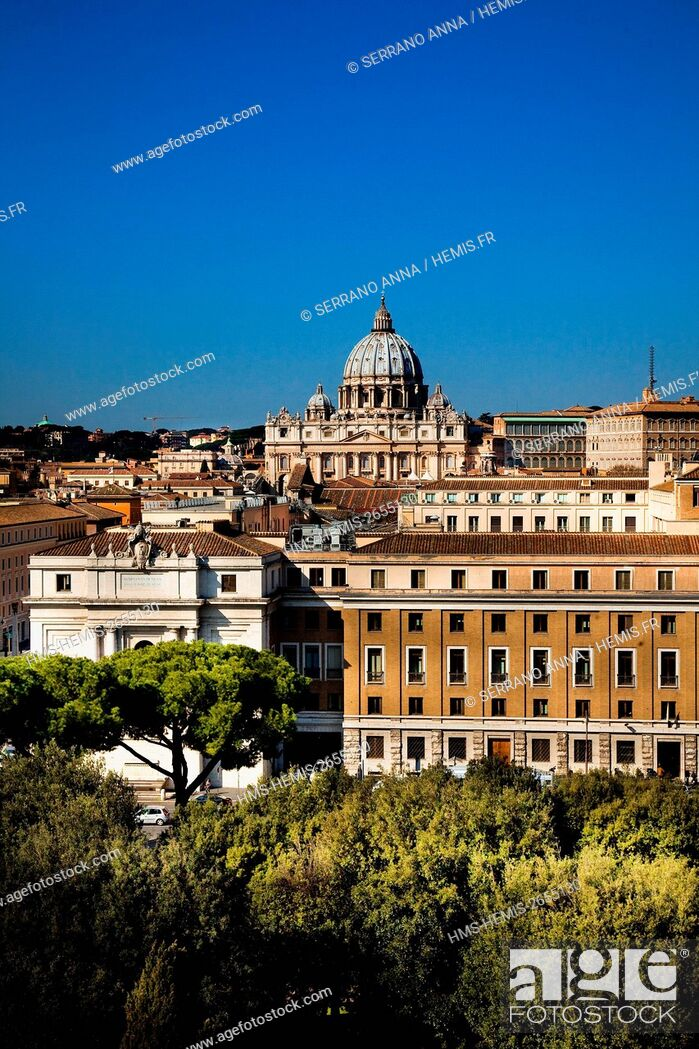 Stock Photo: Italy, Latium, Rome, historical centre listed as World Heritage by UNESCO, San Pietro in Vaticano seen from Castel Sant'Angelo.