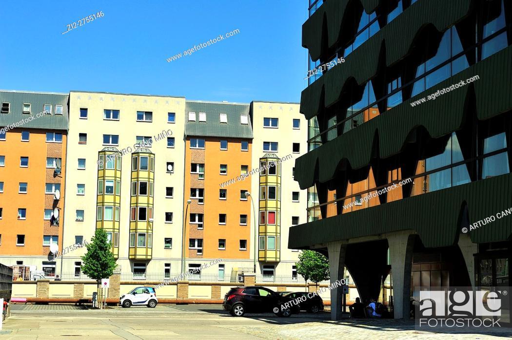 Imagen: Contemporary architecture in Friedrichshain-Kreuzberg district. Berlin, Germany.