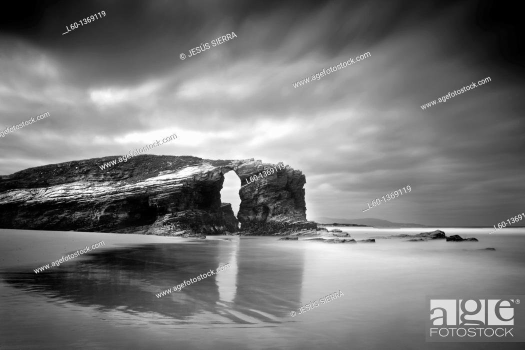 Stock Photo: Playa de las Catedrales, Lugo province, Galicia, Spain.