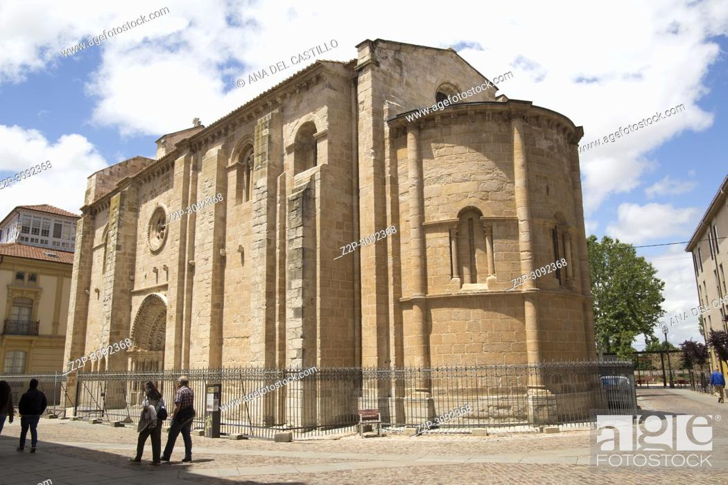 Imagen: St Magdalena romanesque church in Zamora Castile Leon Spain.