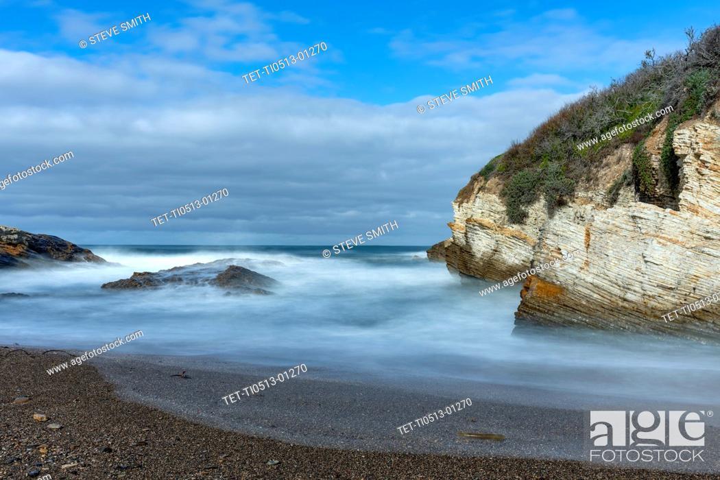 Stock Photo: USA, California, San Luis Obispo, Sea coast.