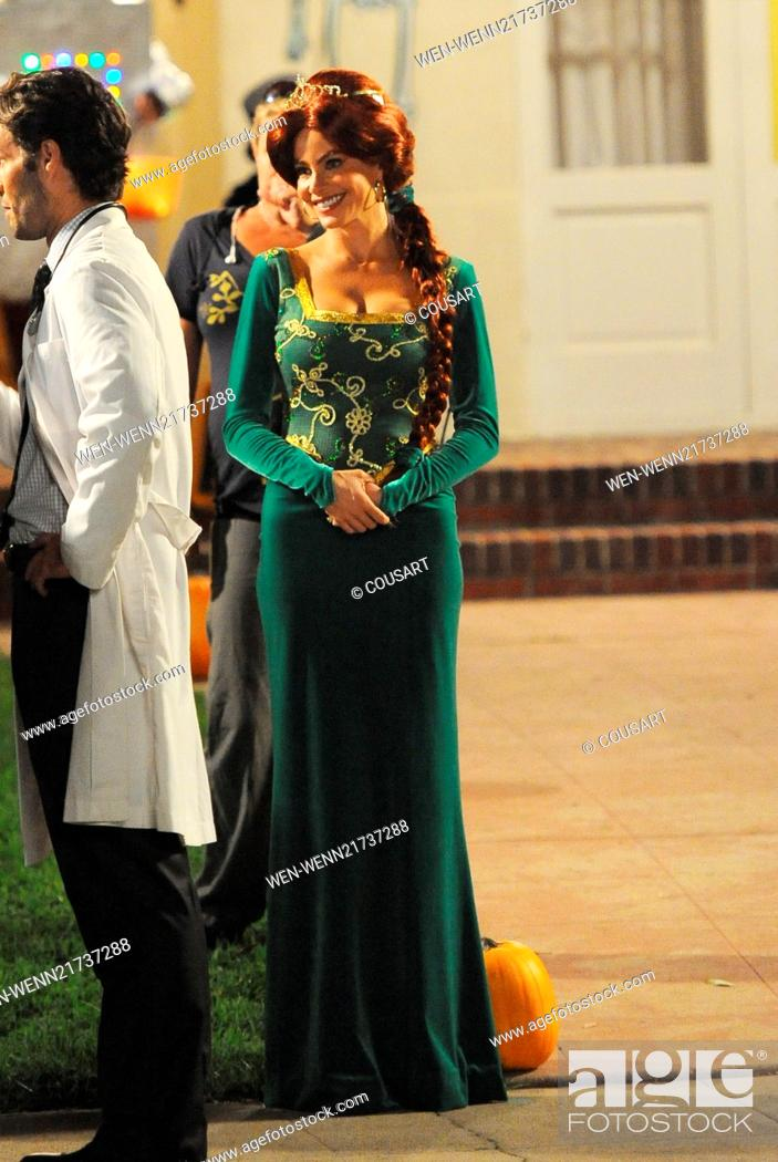Sofia Vergara Wears A Princess Fiona From Shrek Costume On The Set Of Modern Family Filming A Stock Photo Picture And Rights Managed Image Pic Wen Wenn21737288 Agefotostock
