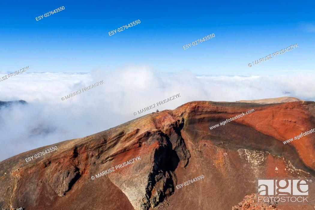 Stock Photo: Ngauruhoe volcano (2291mt), Tongariro national park, North island, New Zealand.