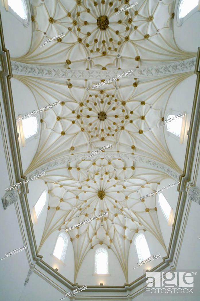 Stock Photo: Vault of Santo Domingo church. Alcañiz. Teruel. Aragón. Spain.