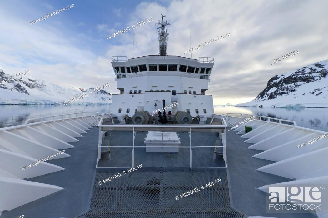 Imagen: The Lindblad Expedition ship National Geographic Explorer on expedition in Antarctica.